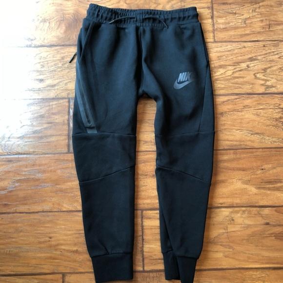 cf0fcf43c561 Youth Nike tech skinny Jogger pants medium. M 5b01da438df470351ffded46